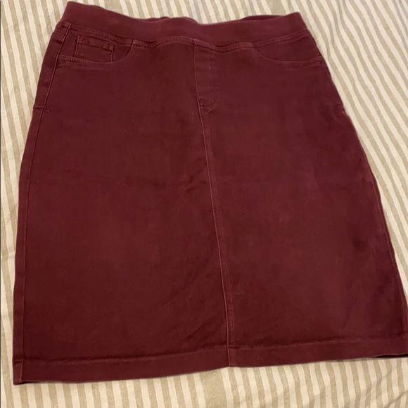 NYDJ Dresses & Skirts - SALE NYDJ maroon skirt